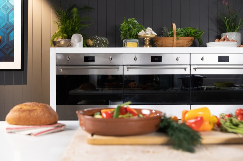 Smeg 60cm Built-in Combi Steam Oven - Stainless Steel SFA4303VCPX