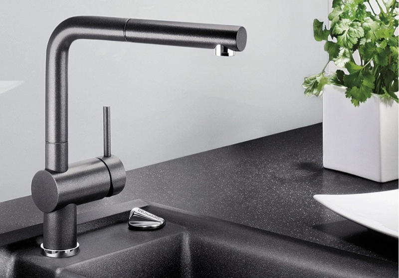 Blanco Single Lever Mixer Tap with Pull-out Spray Arm LINUSSA